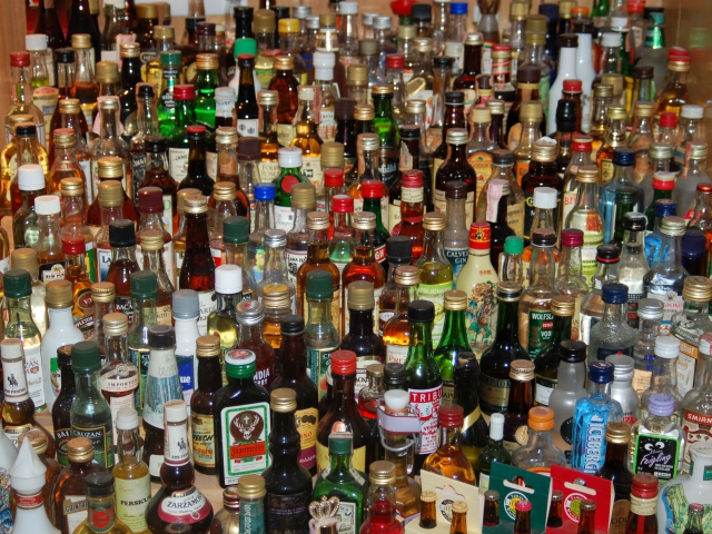 Pick an alcoholic beverage.